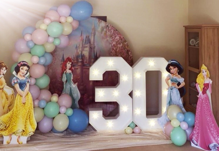 Light up numbers and letters for 30th birthday party with balloon backdrop in chester.